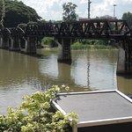 Le pont restauré façon métal.