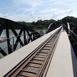 La voie unique du pont.