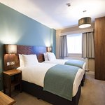 Innkeeper's Lodge Godalming twin room