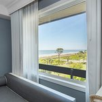 Photo de Beach House, A Holiday Inn Resort