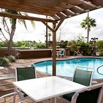 Holiday Inn Express Hotel & Suites Brownsville Foto