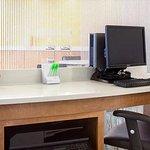 Foto de SpringHill Suites Salt Lake City Airport