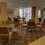 Foto de SureStay Plus Hotel Chicago Lombard