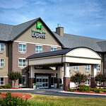 Photo of Holiday Inn Express & Suites Green Bay East