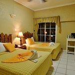 Photo de Hotel Peten