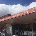 Had a great coffee and delicious tassie scallop curry pie here for breakfast! Worth a stop...
