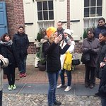 Tour guide Marianne tells us about Elfreth's alley.