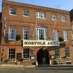 Photo de Norfolk Arms Hotel