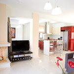 Villa - interior view - tv - dvd - satellite - fireplace