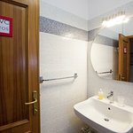 Potos 5 beds room with private external bathroom and balcony