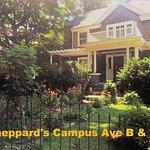 Foto de Sheppard's Campus Bed & Breakfast