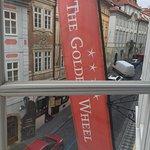 Hotel The Golden Wheel Foto