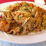 Pork fried rice w/eggrool
