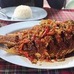 ปลาทับทิมทอดราดพริก