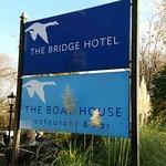 The Bridge Hotel Foto