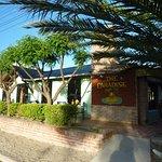 The Paradise, es un complejo restoraurante y Hotel ubicado en la seguna bajada.