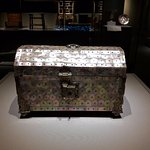 Casket. India, Gujarat, 16thCentury. Mother-of-Pearl, wood, gilded silver.