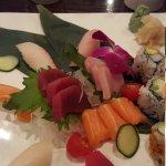 Fuji sushi resmi