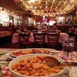 Photo de Buca di Beppo Italian Restaurant