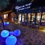 Meeting Point Restaurant & Bar照片