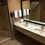 Country Inn & Suites by Radisson, Milwaukee West (Brookfield), WI Photo