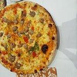 Pizza mit Kalbfleisch & Pizza Quatro Stagioni
