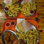 Seitan nuggets, halloumi burger & vegan bacon cheeseburgers