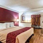 Foto de Red Roof Inn & Suites Clinton