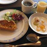 朝食バイキングのフレンチトーストとヨーグルト