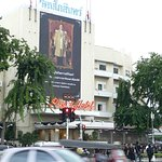 Hotel pay homage to dead King RAMA IX