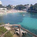 La playa de los alrededores del hotel..espectacular Cala Santandria!