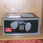 The electronic safe - easy to use - Room 412