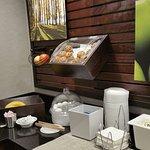 Photo de La Quinta Inn & Suites Seattle Bellevue / Kirkland