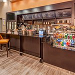 Bistro Restaurant in Lobby at Residence Inn by Marriott Kansas City Downtown/Convention Center