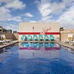 Photo de Shoreline Hotel Waikiki
