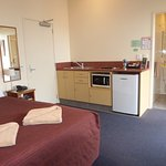 Room 6 private studio with kitchenette & Ensuite