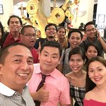 Mr. Tom Park with Estratmedia Team and Top bloggers in Cebu