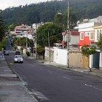 Das Haus liegt in einer ruhigen Nebenstraße