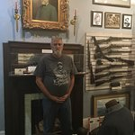 Portrait of Robert E Lee and a few artifacts