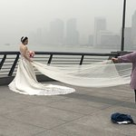 Look at the bride. One can hardly see the sky. This is not fog. The air polution was awful.