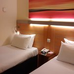 Holiday Inn Express London-Swiss Cottage Foto