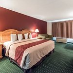 Foto di Red Roof Inn & Suites Knoxville East