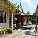 Lovina Beach Hotel Bild