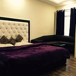 deluxe spacious room, family room.