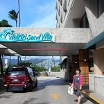 Waikiki Sand Villa Hotel Picture