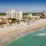 Our Hollywood Florida hotel on the beach and Broadwalk await you.