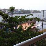 Vista do rio Mampituba em uma manhã de chuva