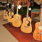 New & Used Guitars, Steel and Nylon, Full size, Thin Models, Travel, 3/4 & 1/2 sizes.