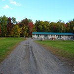 """Quiet, country lodge.  Campfire Pit, BBQ, WiFi, 43"""" TV"""