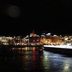 ночная Женева